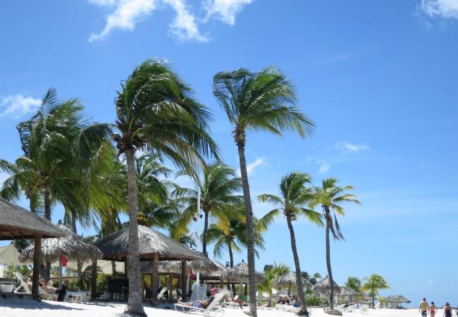 Aruballa askelen lähempänä lomaparatiisia