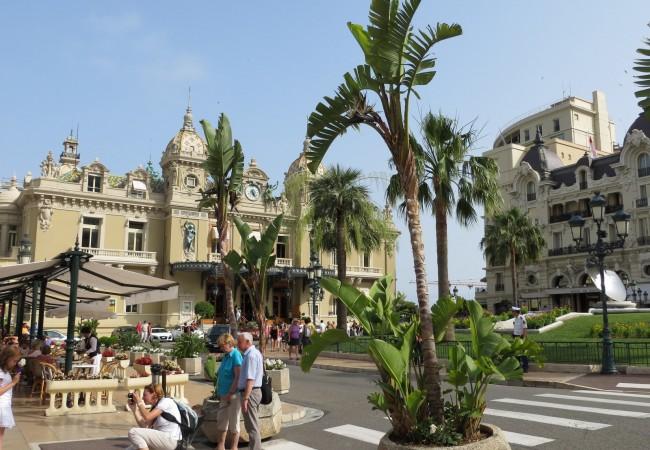 Maa numero 77 – junttituristiturona Monacossa