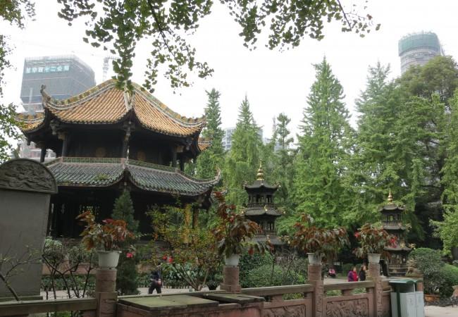Temppeleitä ja turistinähtävyyksiä Chengdussa