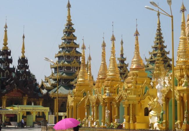 Kullan kimallusta päivin ja öin mielettömässä Shwedagon Payassa