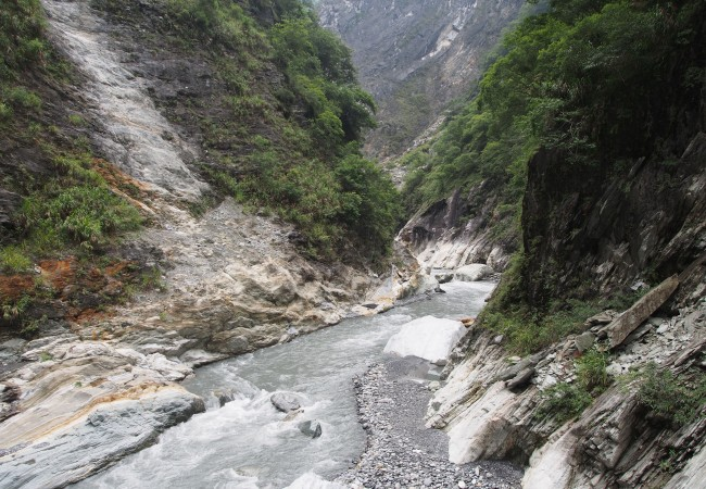 We don't hike, we walk (Taroko, Taiwan)