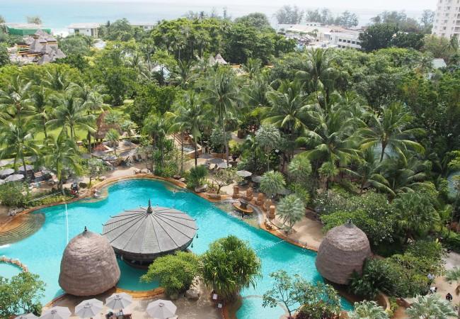 Seikkailu alkakoon – rantautuminen Phuketiin