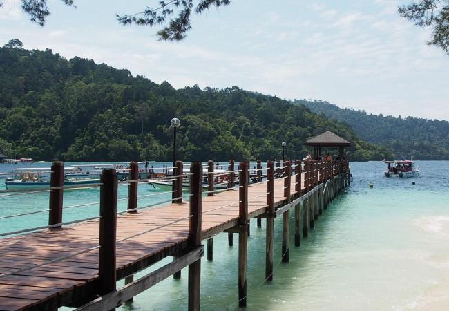 Borneo, päivä 4. Lentoa kotkan lailla ja riisiviinaa
