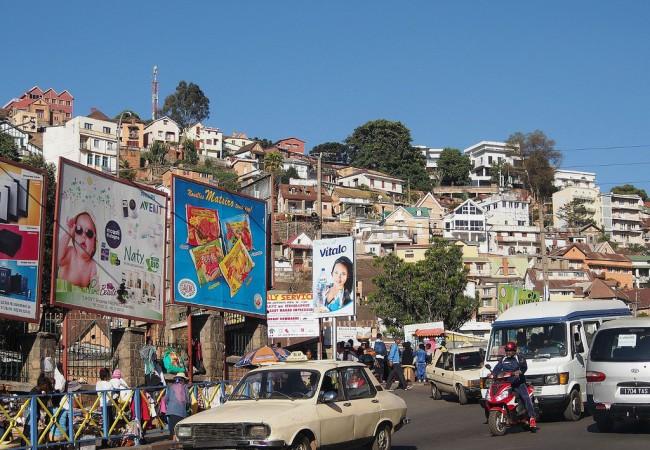 Antananarivo ja pari sanaa keräysvaatteiden päätymisestä markkinoille