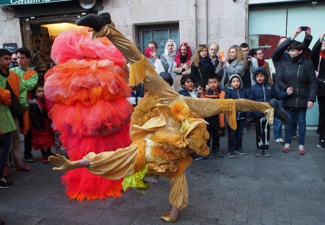 Värejä Barcelonan karnevaaleilla