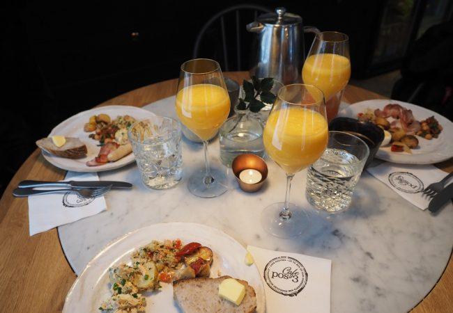 Café Postres tarjoaa aamupalan, jolle kannattaa tulla kauempaakin