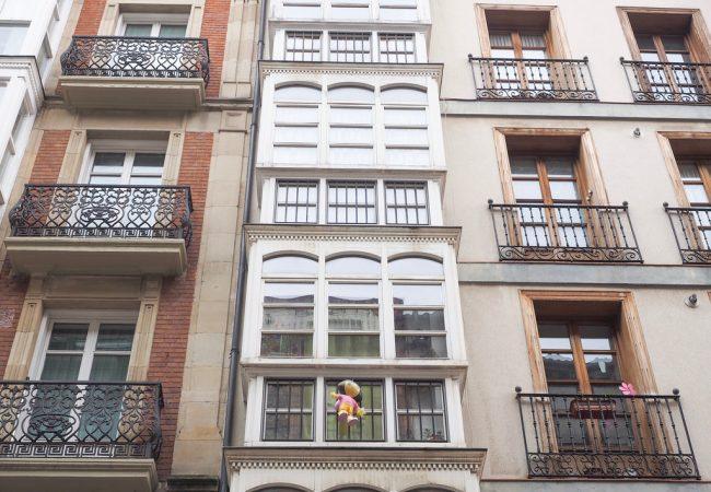 Valkoisten parvekkeiden Vitoria-Gasteiz