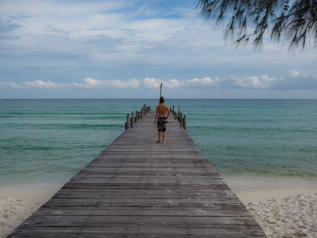 Koh Rong. Yksin rannalla todella kaukana kotoa