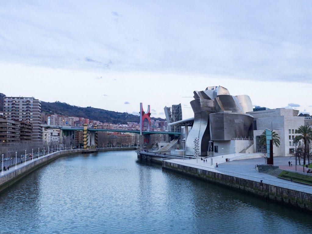 Guggenheim Bilbao – moni kakku päältä kaunis