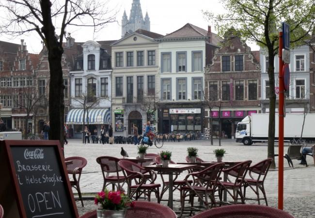Kevään ensimmäisellä terassilounaalla Gentissä