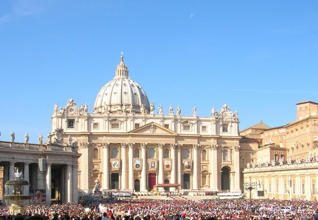Ensi kertaa Roomassa ja paavi Pietarinkirkolla