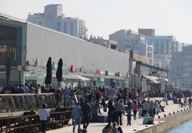 Ulkoilmaelämää Tel Avivissa
