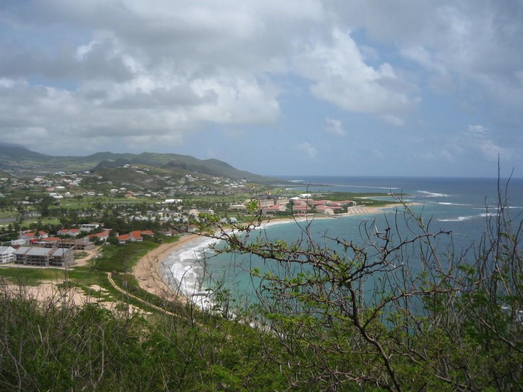Häämatka, osa 3. Saint Kitts. ja Nevis – kun talot eivät saa olla korkeampia kuin palmut