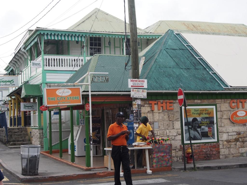 St. John, Antigua – aitoa kaupunkielämää Karibialla