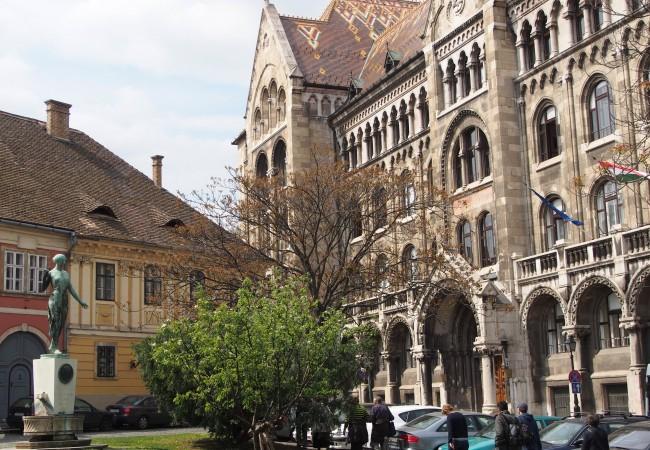 Vanhan kaupungin charmia Budapestissa