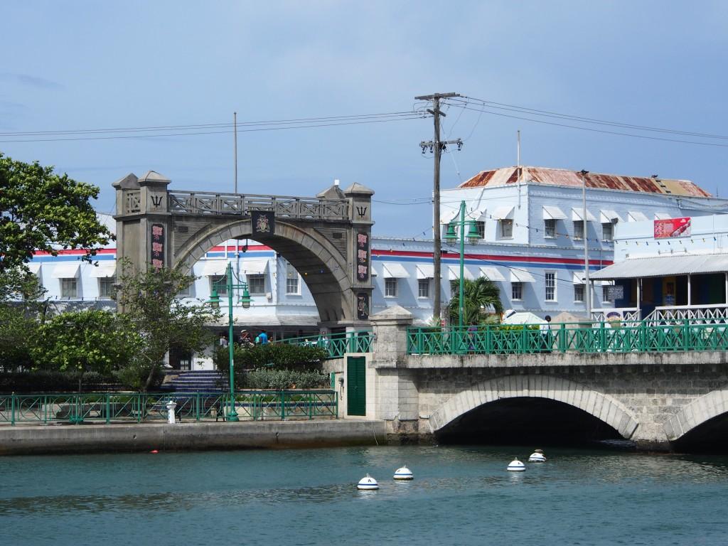 Bridgetown ja maastoa Barbadoksella
