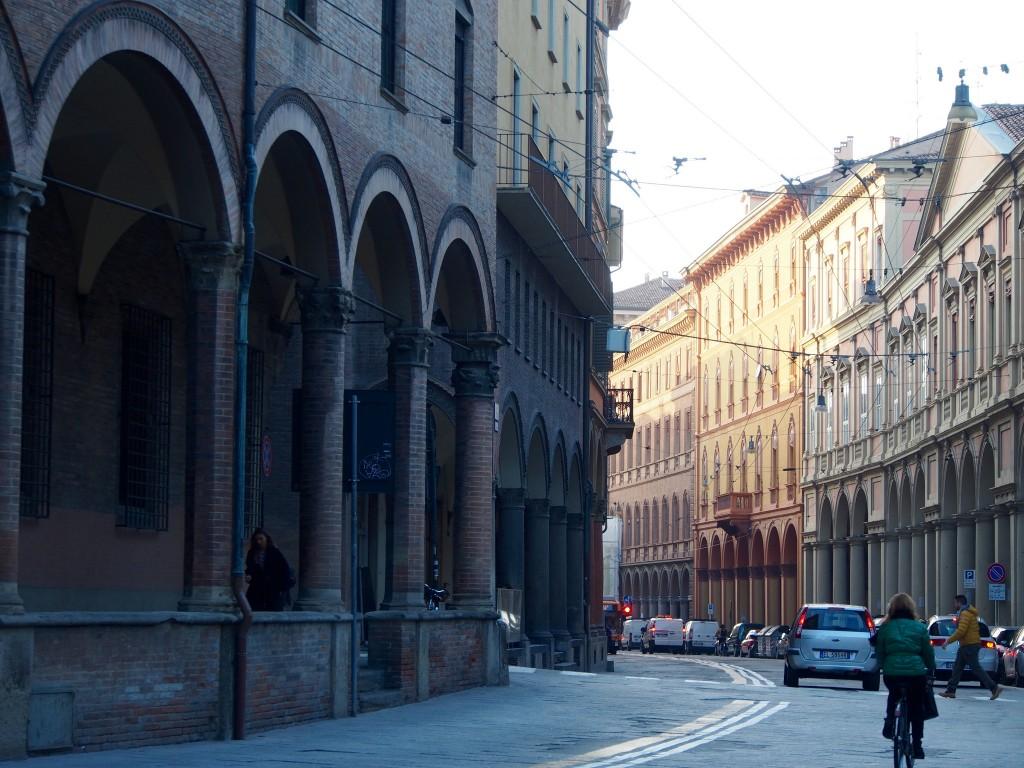 Bologna – katettujen jalkakäytävien kaupunki