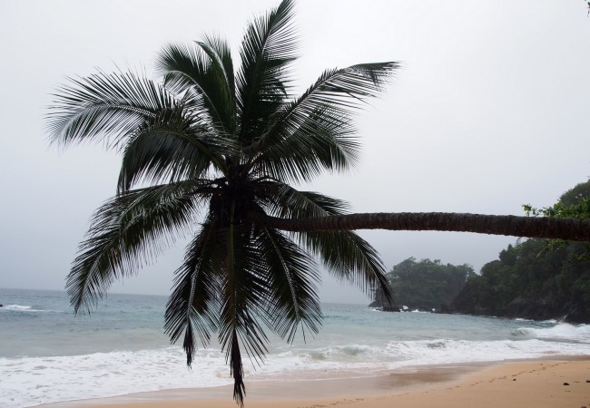 Katso autiota hiekkarantaa – parasta São Toméssa