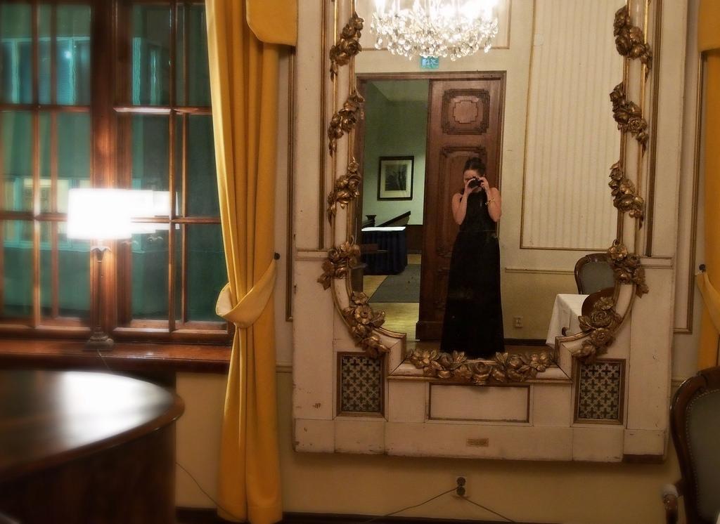 Tunnelmasta toiseen – tukikohtana Solo Sokos Hotel Torni
