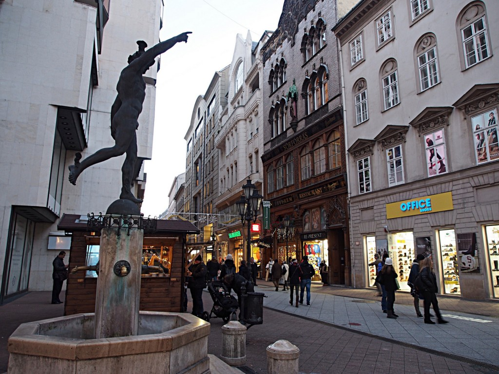 Kun on mentävä. Äkkilähdöllä Budapestiin.