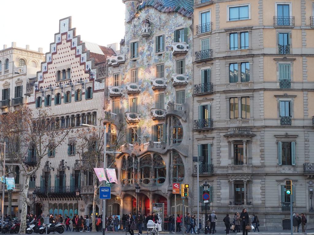 Arkkitehtuurin outoudet. Gaudi ja Barcelona