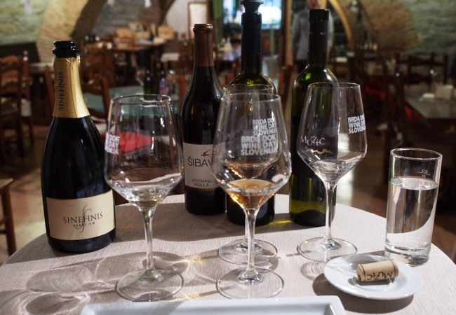 Viinimatkailua Brdassa