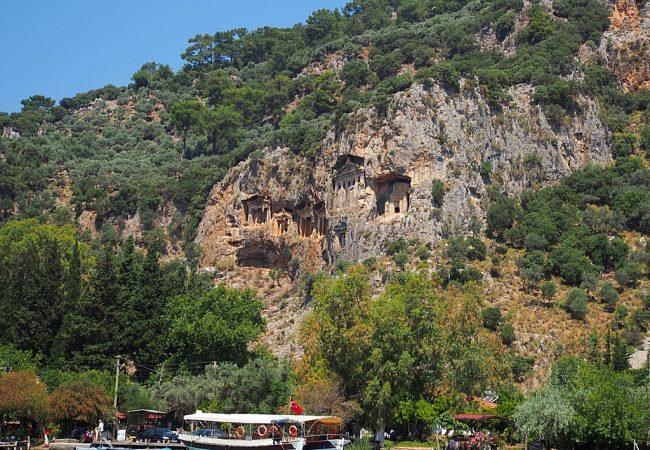 Dalyan – upeat kalliohaudat ja kilpparisairaala