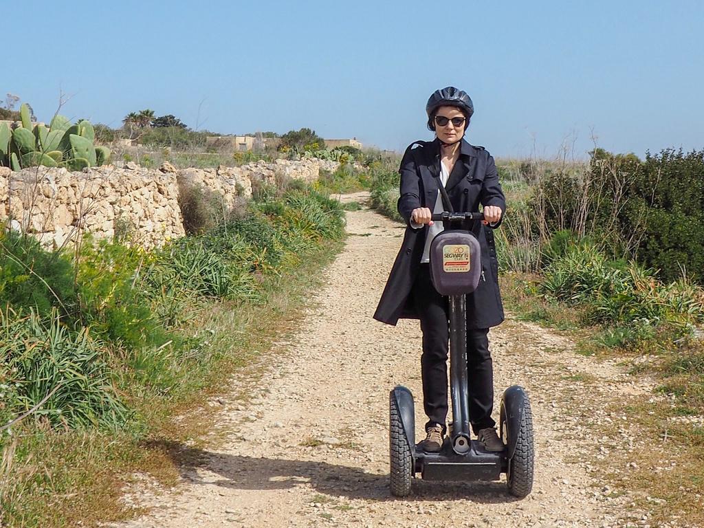 Gozo Segway vie vaikka elokuvamaisemiin