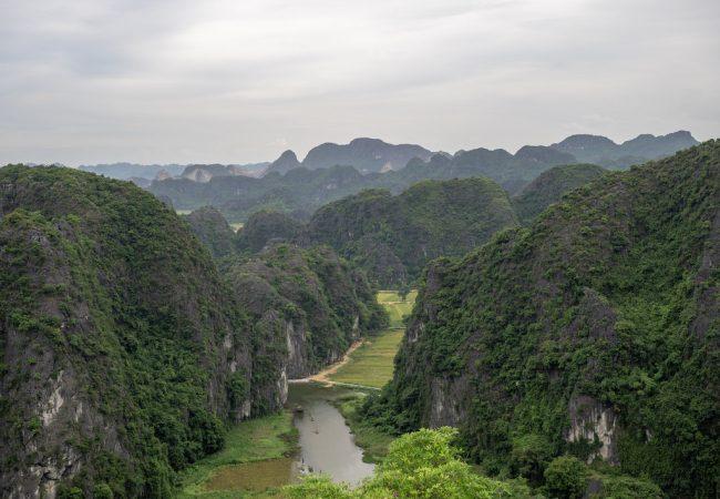Mua Caves, Ninh Binh, Vietnam. 500 porrasta myöhemmin