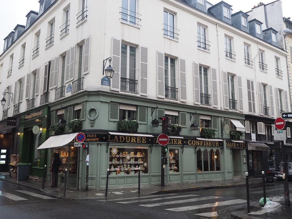 Pariisi – seitinohut, sateinen lauantai