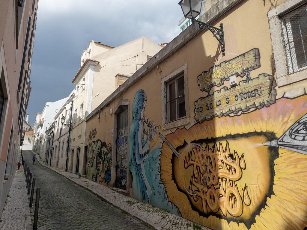 Lissabon päiväkirjat. Kun yritin olla tosituristi