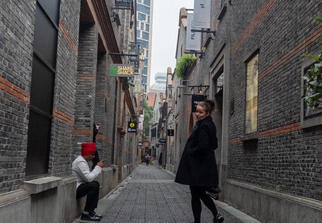 Sateinen Shanghai joulupakolaisen silmin